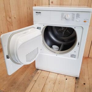Miele aftræk tørretumbler T8302 (KUN 12 mdr gammel), Energiklasse: C Kapacitet :6 kg.