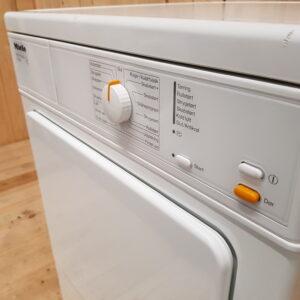 Miele aftrækstørretumbler  T8302 SoftCare-tromle / 6kg / Lydniveau: 63dB / Energiklasse: C