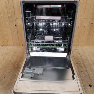 Blomberg opvaskemaskine SGUN3330X *Energiklasse  A+++ *Lydniveau  42 dB(A) *Bestikbakke