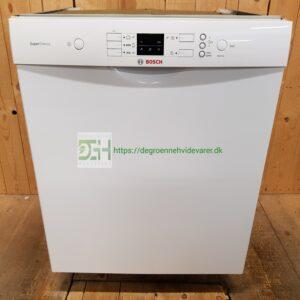 Bosch opvaskemaskine SMU50M62SK/74 *svagt misfarvet i panel *A++ *Antal kuverter: 13 *Lydniveau: 44 dB